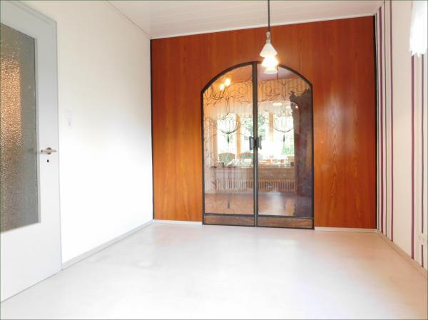 Esszimmer mit Tür zum WZ